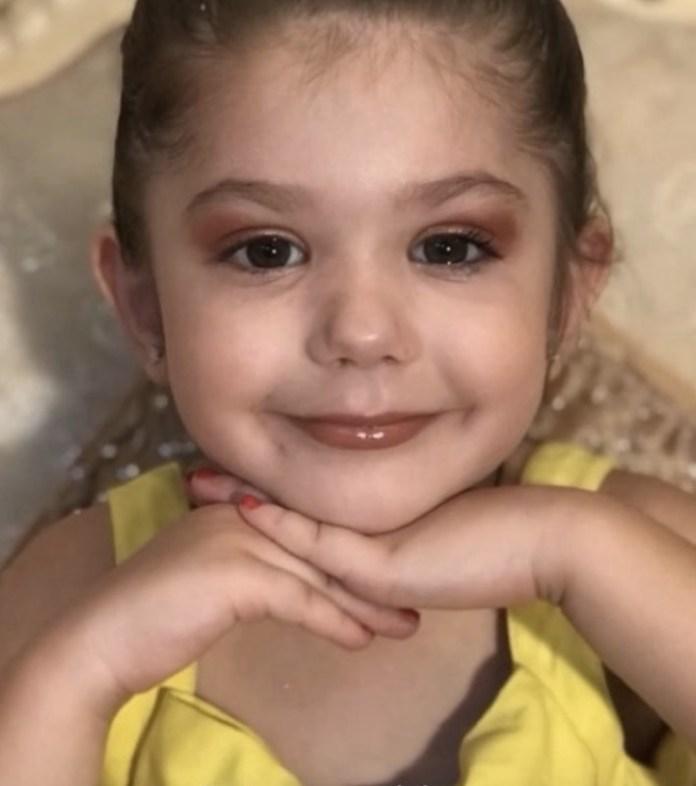 cliomakeup-beauty-guru-3-anni-4-bambina