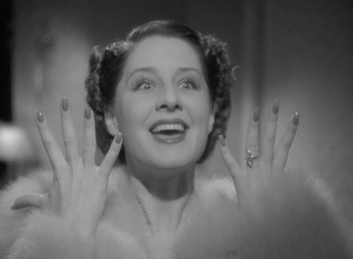 cliomakeup-smalto-unghie-manicure-3-dive-cinema