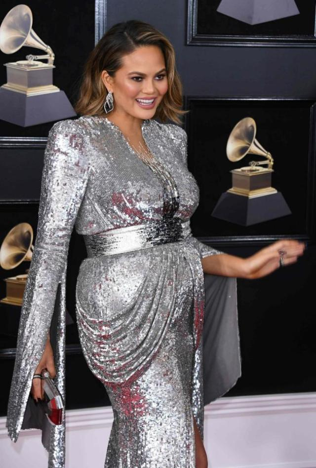 cliomakeup-look-grammy-2018-outfit (16)
