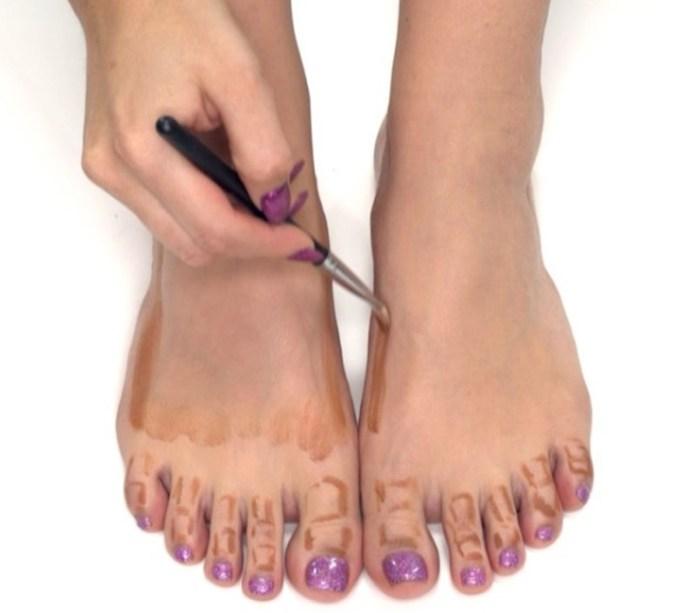cliomakeup-gambe-sinuose-make-up-moda-5-foot-contouring
