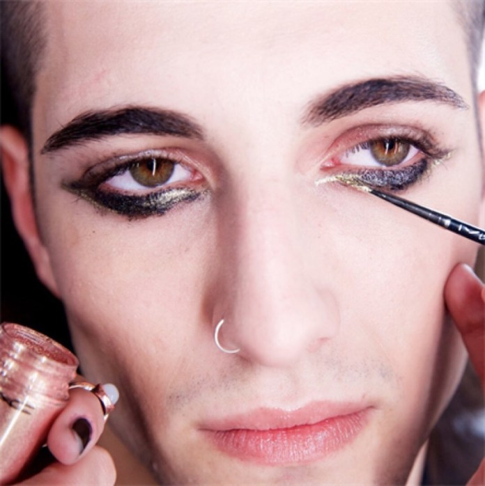 cliomakeup-maneskin-make-up-outfit-5-mac-damiano