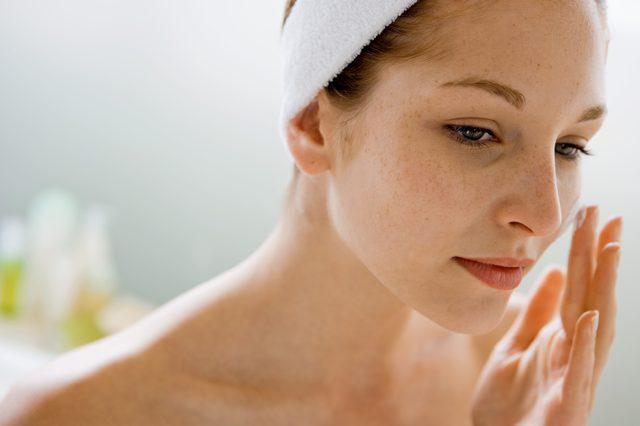cliomakeup-pelle-lucida-come-prevenirla-15