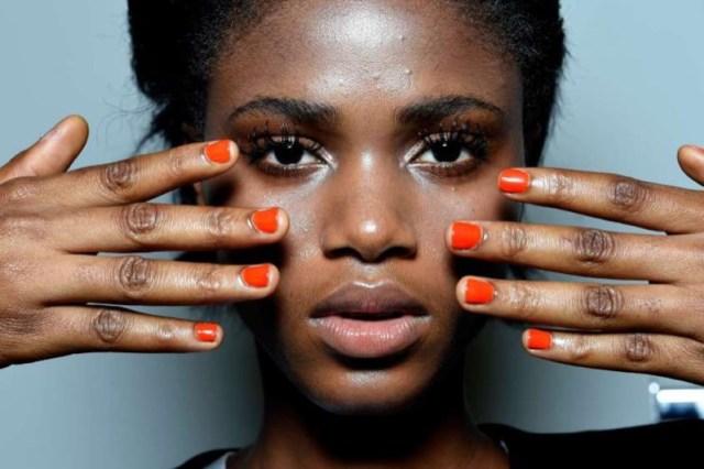 cliomakeup-smalto-arancione-17-dark-skin