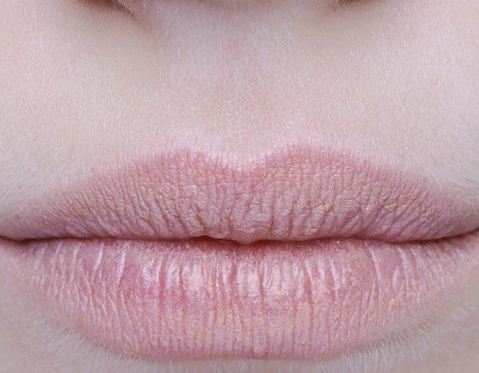 cliomakeup-trucco-labbra-sottili-rossetto-scuro-o-chiaro-3