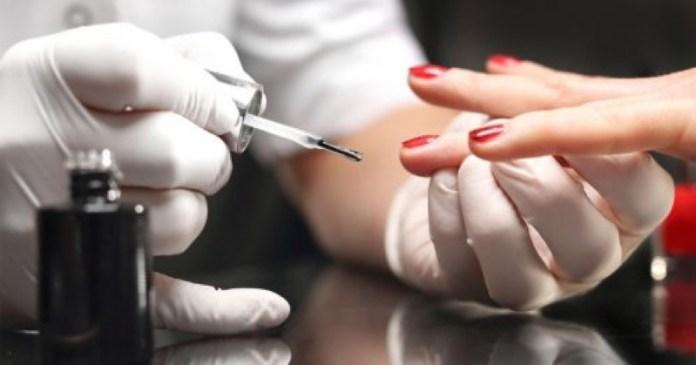 cliomakeup-unghie-fragili-rimedi-10-manicure