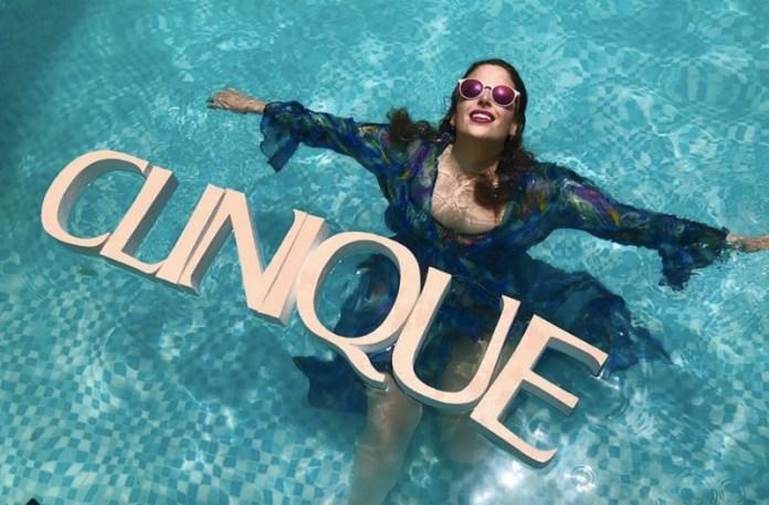cliomakeup-clinique-moisture-surge-8-piscina