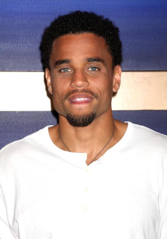 ClioMakeUp-uomini-più-belli-del-mondo-18-michael-ealy-occhi-blu.jpg