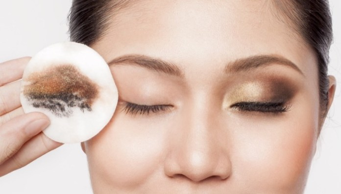 ClioMakeUp-pulizia-viso-pigre-4-struccare-occhi.jpg