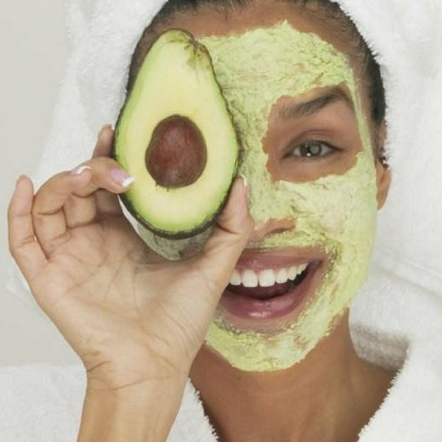 cliomakeup-avocado-pelle-capelli-6-maschera