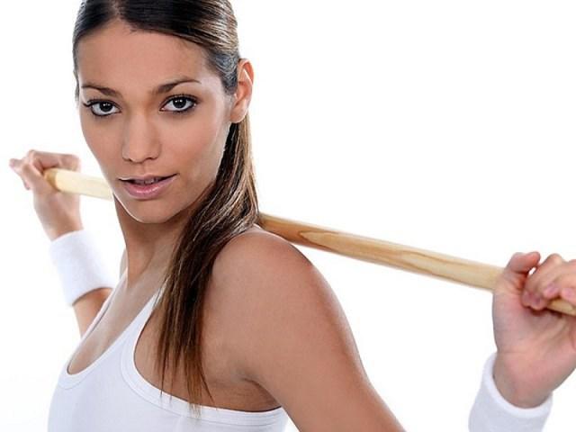 cliomakeup-esercizi-schiena-dritta-bastone