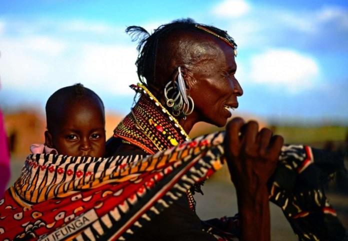 ClioMakeUp-elementi-cultura-africana-19-people-baby.jpg