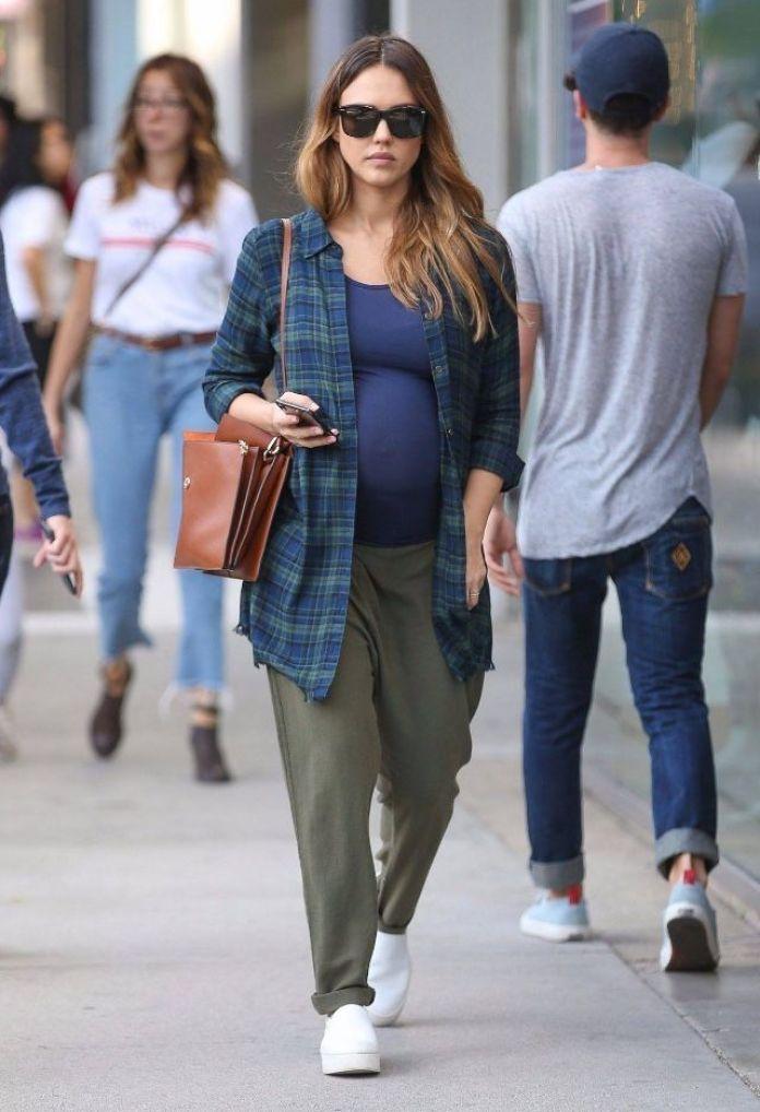 b5875c9159db Come vestirsi in gravidanza  i più begli outfit premaman delle celebs!