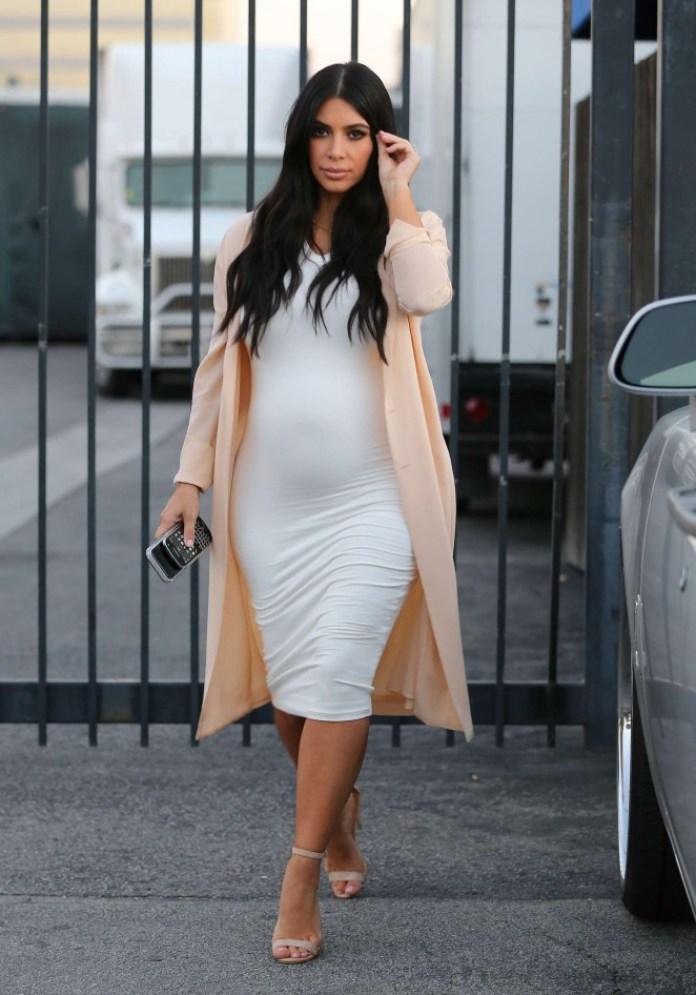cliomakeup-come-vestirsi-in-gravidanza-18-kim-kardashian