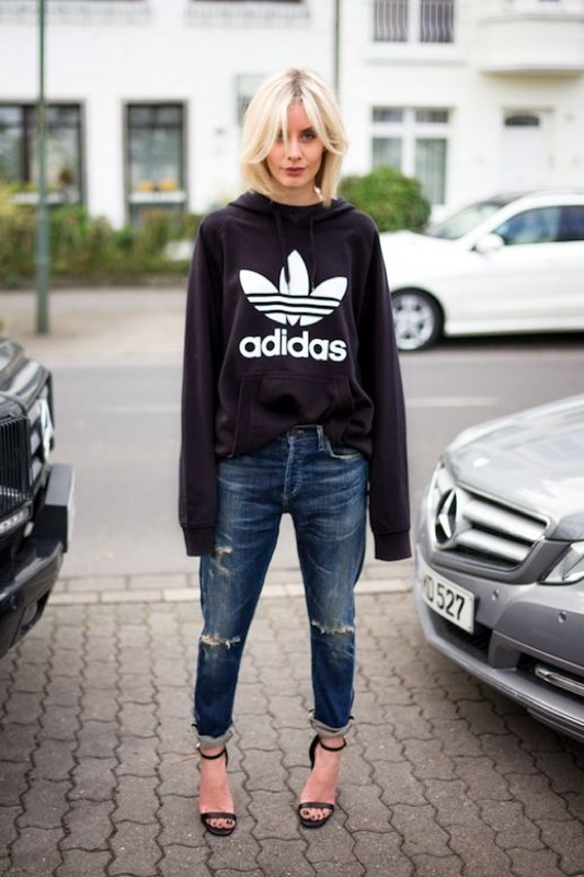 wholesale dealer 4b716 9fe04 Come vestire sporty chic: le regole d'oro e abbinamenti da ...