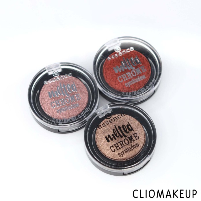 cliomakeup-recensione-ombretti-essence-melted-chrome-eyeshadow-2