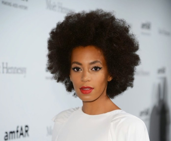 ClioMakeUp-movimento-nappy-20-solange-knowles.jpg
