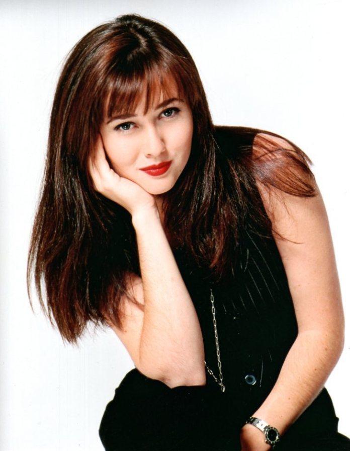 cliomakeup-moda-anni-90-capelli-5-brenda-walsh