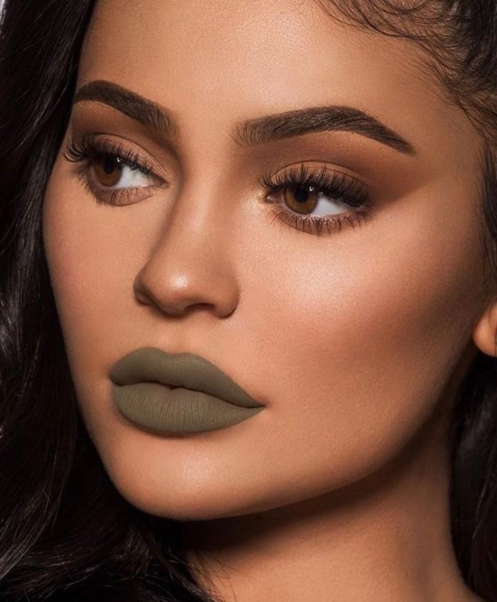 cliomakeup-makeup-colori-stravaganti-4-ironic-kylie-jenner