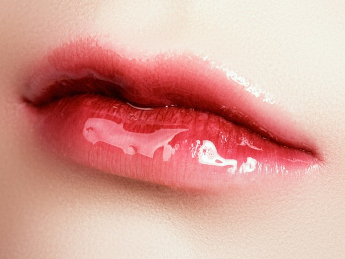 cliomakeup-corena-lips-trucco-labbra-7-gloss