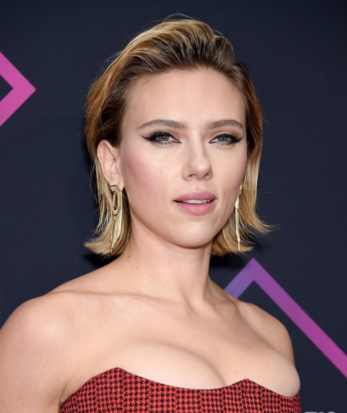 cliomakeup-people-choice-awards-2018-13-scarlett