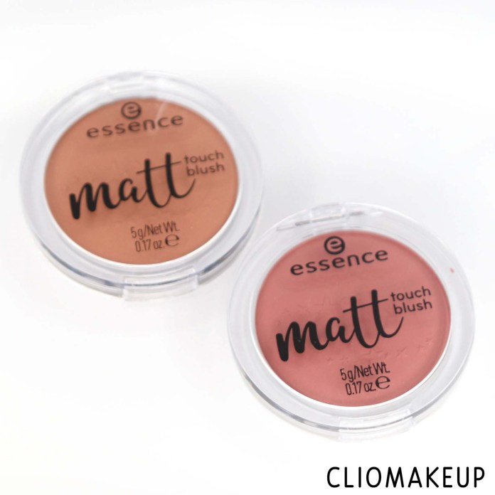 cliomakeup-recensione-blush-essence-matt-touch-blush-2