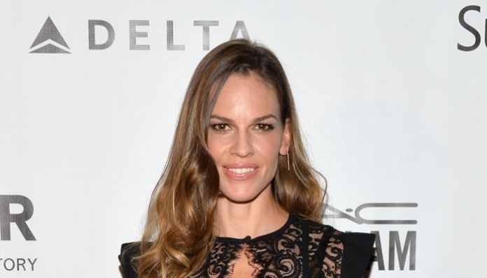cliomakeup-trucco-viso-lungo-10-Hilary-Swank