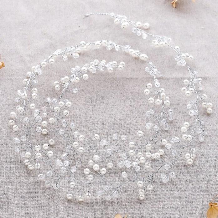 ClioMakeUp-accessori-capelli-capodanno-12-filo-perla-sposa.jpg