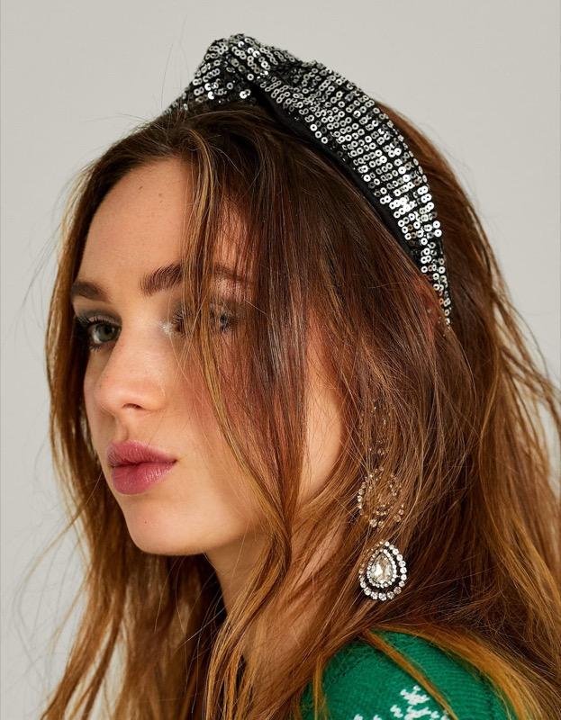ClioMakeUp-accessori-capelli-capodanno-20-fascia-rigida-paillettes-stradivarius.jpg