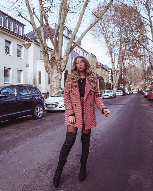 ClioMakeUp-stivali-sopra-ginocchio-22-outfit.jpg