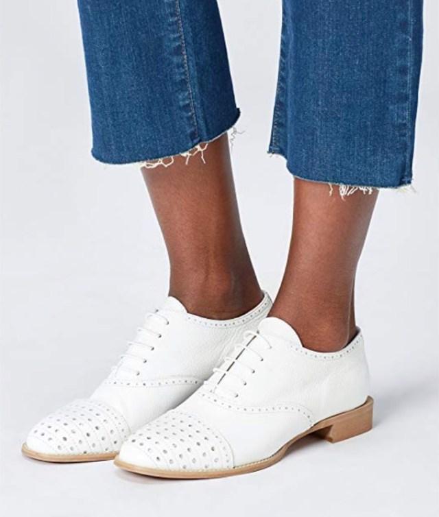 cliomakeup-saldi-scarpe-tendenze-2019-14-stringate-bianche