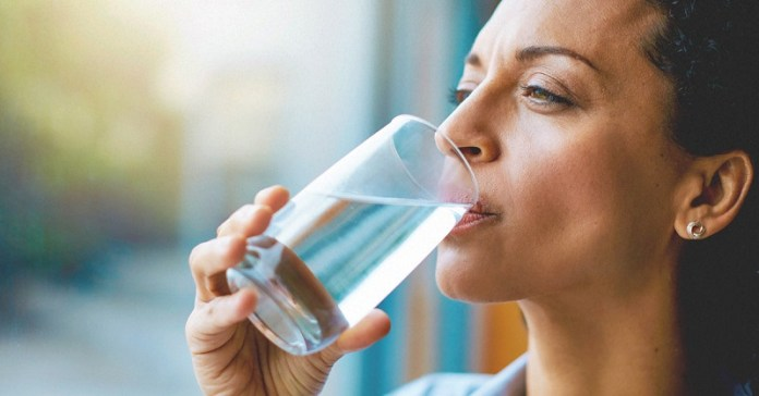 cliomakeup-dieta-supermetabolismo-bere-acqua-10