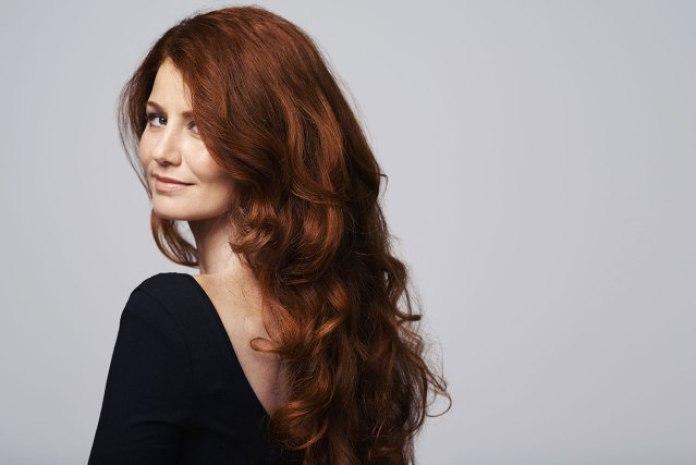 cliomakeup-tendenze-capelli-rossi-2019-3-mogano-chiaro