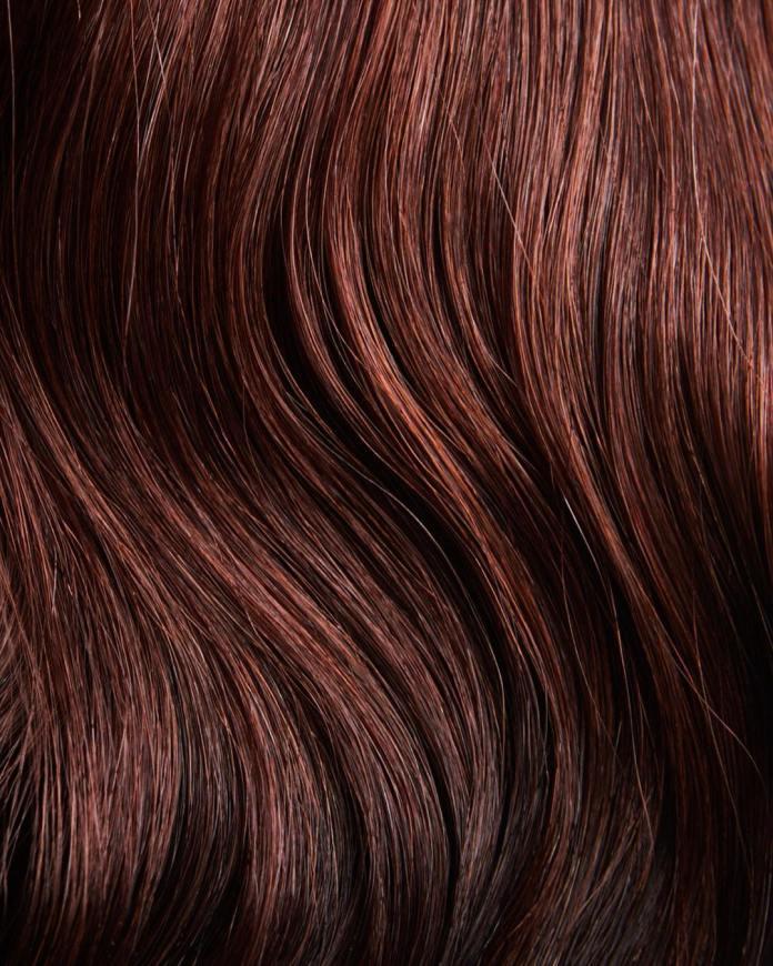 cliomakeup-tendenze-capelli-rossi-2019-19-mogano-scuro-riflessi