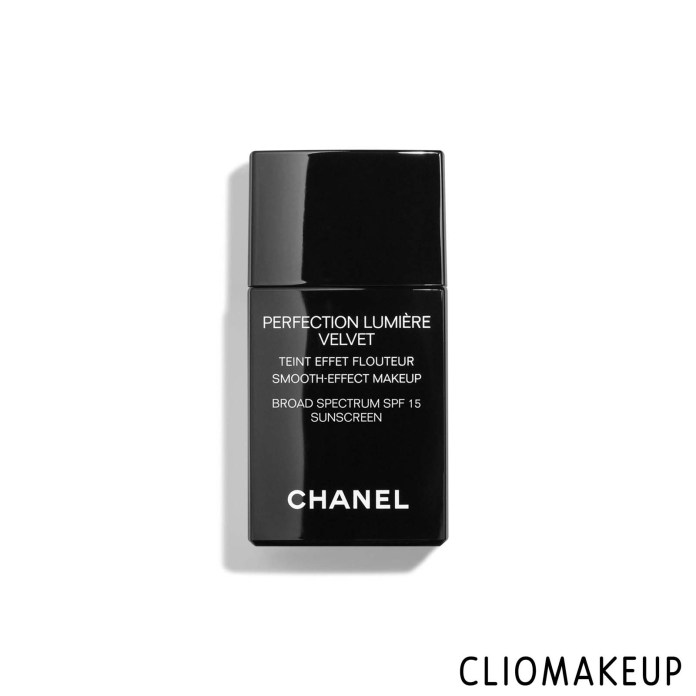 cliomakeup-recensione-fondotinta-chanel-perfection-lumiere-velvet-1