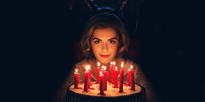 cliomakeup-terrificanti-avventure-sabrina-netflix-beauty-looks-15-torta-compleanno