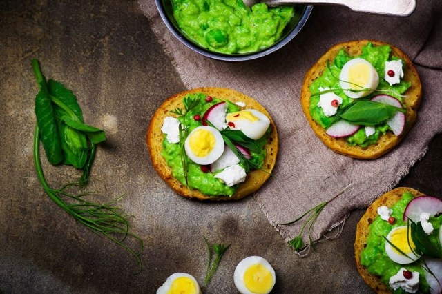 cliomakeup-menu-san-valentino-6-crostini-asparagi-uova