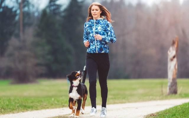 cliomakeup-benefici-attività-fisica-20-portare-spasso-cane