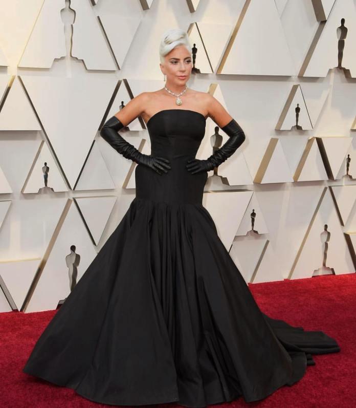 36e251980a06 Look Oscar 2019 dagli abiti chic con colori romantici a quelli ...