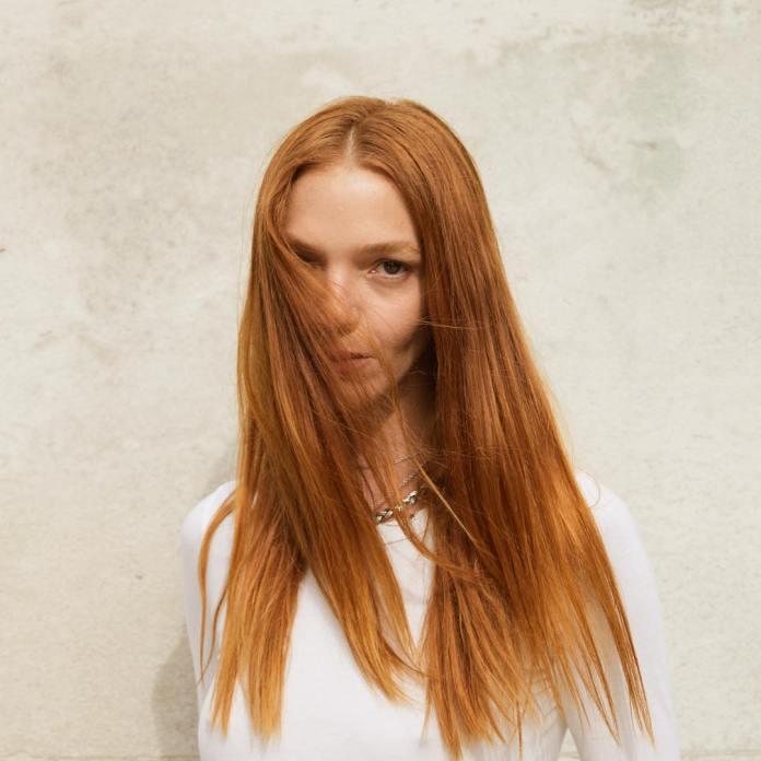 cliomakeup-tendenze-capelli-lunghi-2019-2.mariacarla-boscono