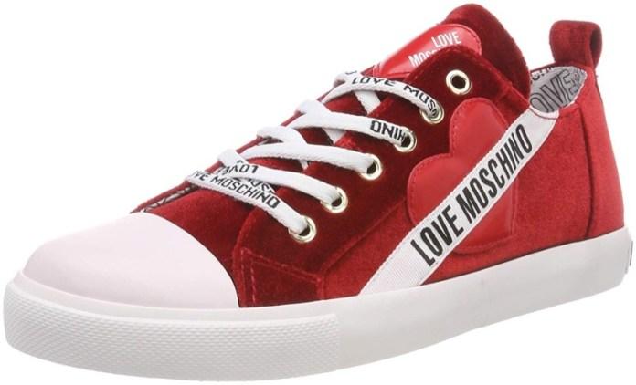 ClioMakeUp-vestiti-rossi-23-sneakers-love-moschino-amazon.jpg