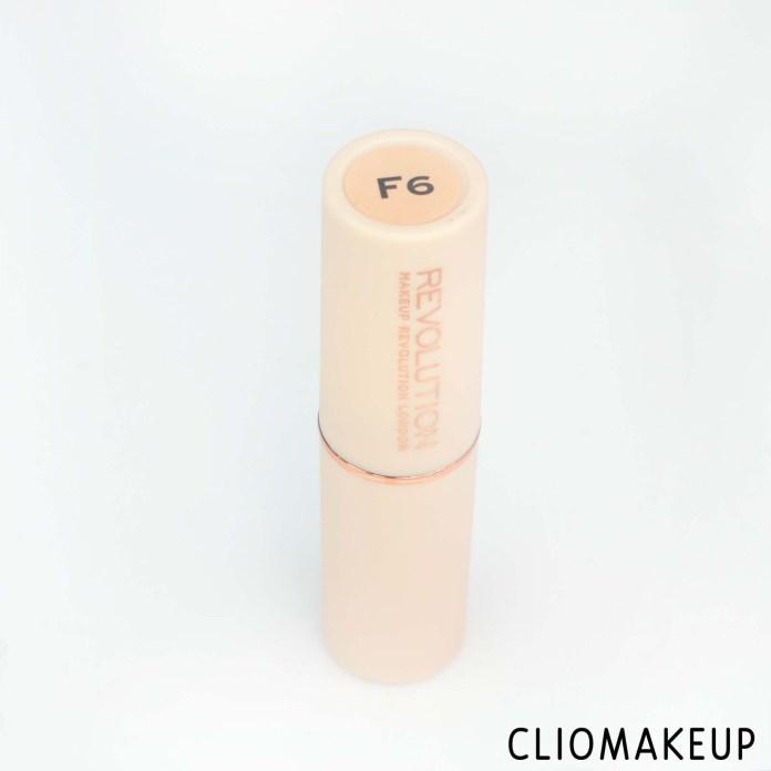 cliomakeup-recensione-fondotinta-in-stick-makeup-revolution-fast-base-stick-foundation-2