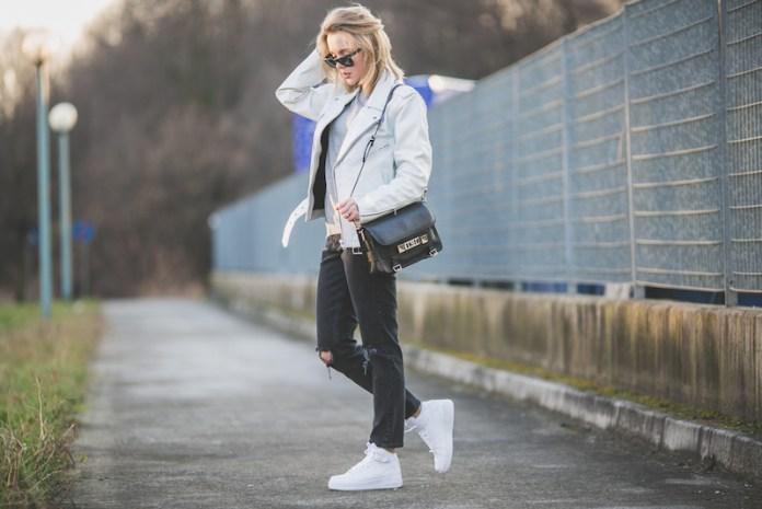 cliomakeup-sneakers-primavera-2019-12-scarpe-bianche-look