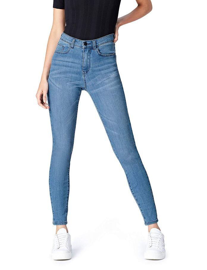 Cliomakeup-copiare-look-emma-roberts-20-jeans-skinny
