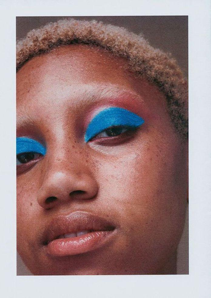 cliomakeup-trucco-occhi-blu-9-azzurro-dark-skin
