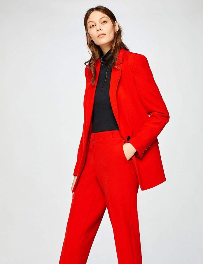 Cliomakeup-copiare-look-emilia-clarke-15-blazer-rosso