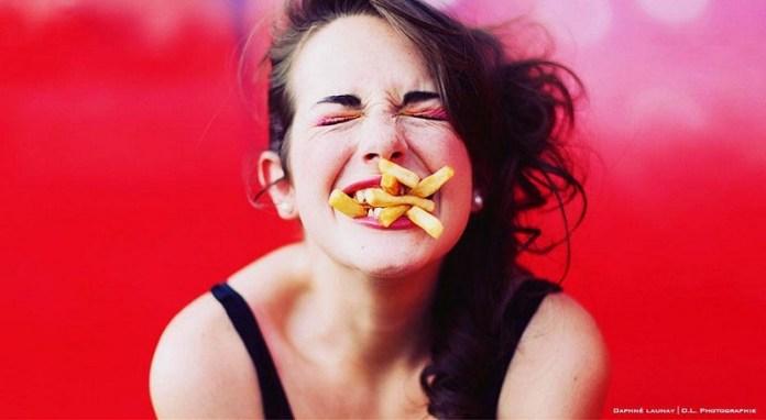 cliomakeup-falsi-miti-11-eating-fries