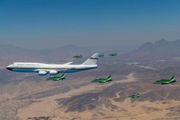 صور.. طائرات القوات الجوية الملكية التي شاركت في استقبال طائرة السلطان هيثم بن طارق