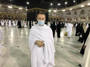 News 24    After doing Umrah .. British Consul: I am very grateful to what Saudi Arabia has done to protect the pilgrims.