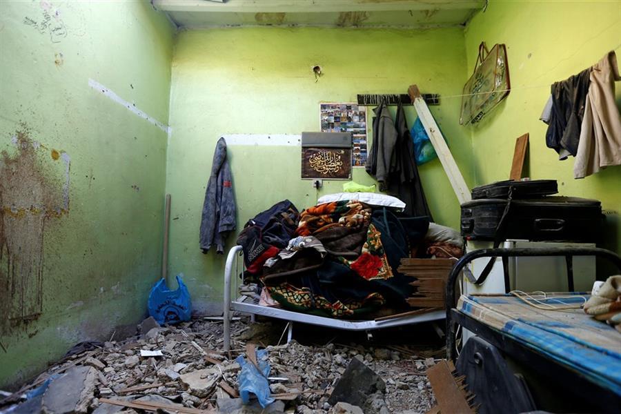 عمامته وحقيبته التي جهزها للسفر.. لقطات من غرفة الشهيد المصري عبد المطلب وشهادات أصدقائه (فيديو وصور)