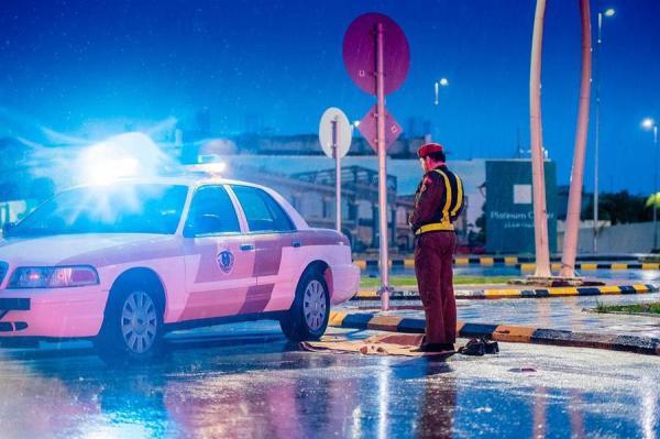 جهود رجال الأمن والمرور في الميدان أثناء هطول الأمطار على الرياض